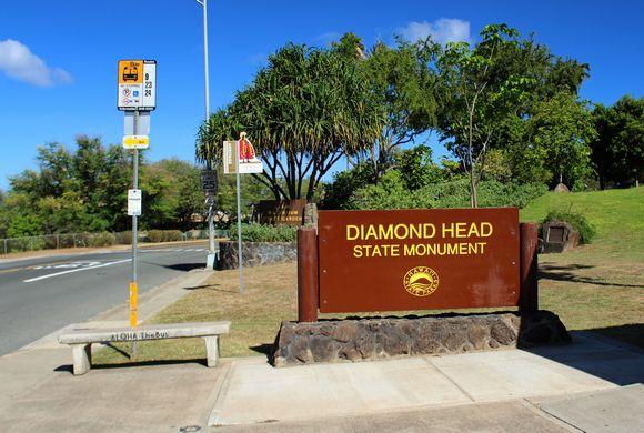 ハワイ、オアフ島の観光スポット、ダイヤモンドヘッド