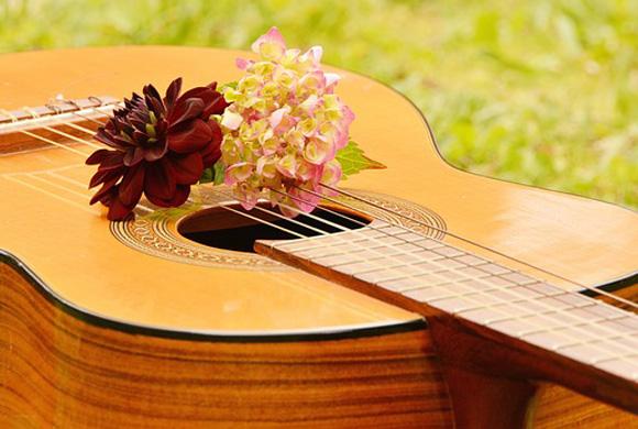 guitar-1585657_640