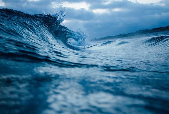 ocean-wave-1149174_640