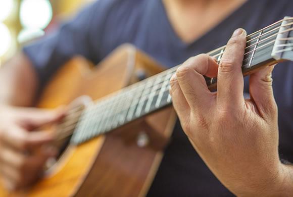 アラモアナセンターでハワイアン音楽ライブがスタート