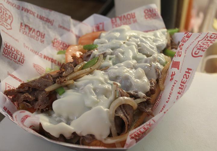 アラモアナで日本未上陸の超人気サンドイッチとは?