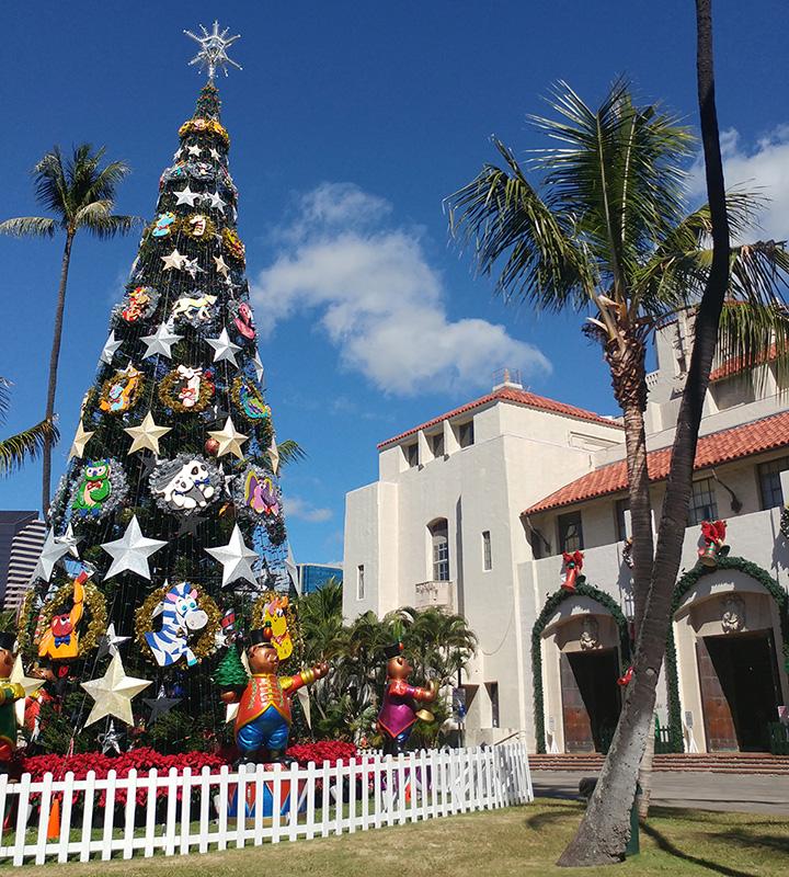 Big Christmas Tree at Honolulu Hale