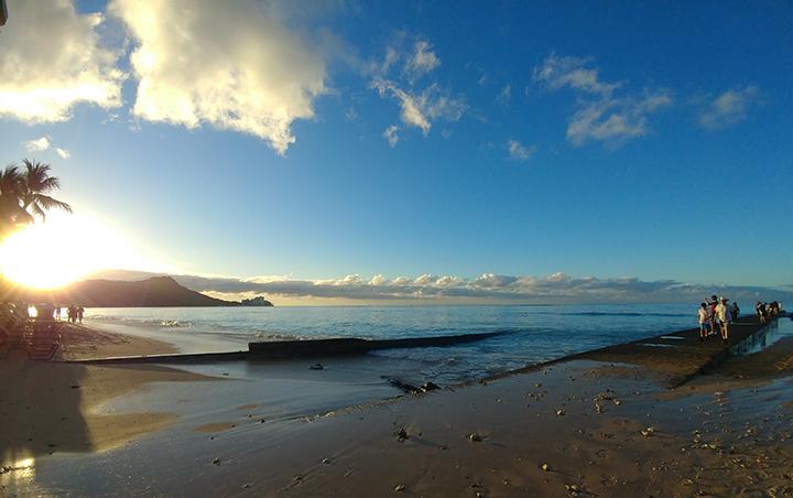 ワイキキビーチの日の出撮影場所