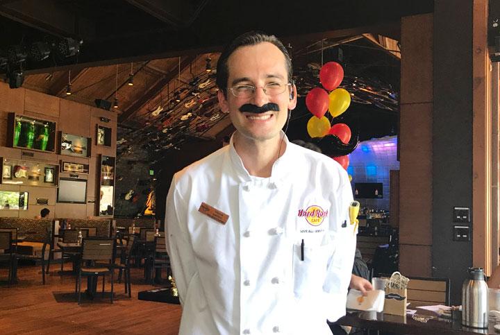 ハワイのハードロックカフェでフレディ・マーキュリーを偲ぶ!