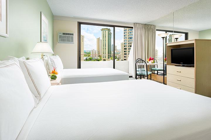 アンバサダー ホテル ワイキキ ベッド2台シティービュー